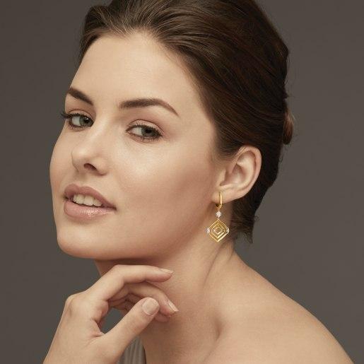Diamond Earring In Yellow Gold (6.62 Gram)